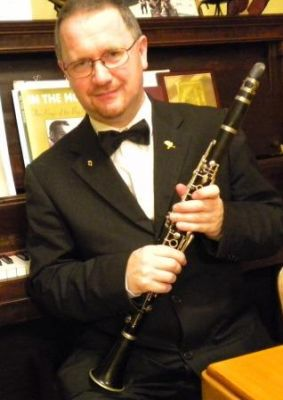 I am a woodwind teacher specializing on Clarinet, Saxophone and Flute.